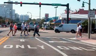 pedestrians-(aaa)_intersection-l-50%