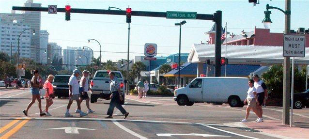 pedestrians-(aaa)_intersection-l(l-box)